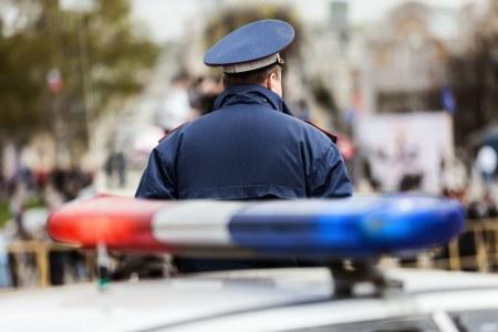 Двое мужчин похитили машину таксиста впроцессе дорожного конфликта вТомилино
