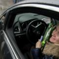 Девушек-водителей поздравили автоинспекторы