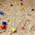 Драгдилеры в Люберецком районе приспособили для торговли детские песочницы