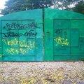 В двух парках Люберец устранили граффити в несанкционированных местах