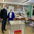 Депутат Дмитрий Дениско посетил избирательные участки в поселке Октябрьский