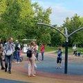 Карусель не будут убирать с детской площадки в парке Наташинские пруды