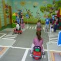 В школах и садах будут учить безопасному поведению на дорогах