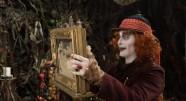 Фотография из фильма Алиса в Зазеркалье